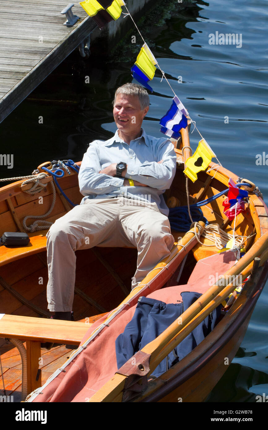 Liverpool, UK. 3rd June, 2016. International Mersey River Festival 2016, 3-5 June 2016.  A man takes a well earned - Stock Image