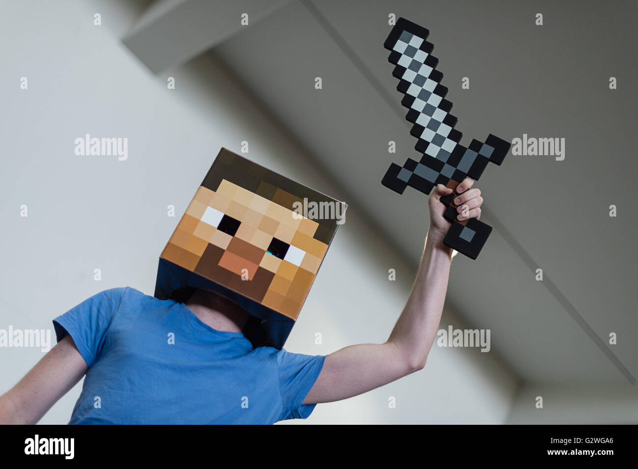 Hanover, Germany. 04th June, 2016. A man dressed as the game character of the computer game Minecraft poses at the - Stock Image