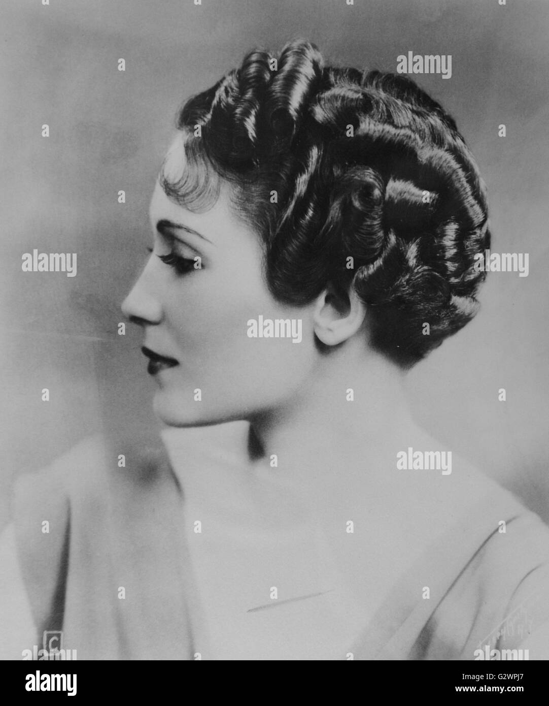 Women S Marcelled Hairstyle From 1934 Stock Photo Alamy