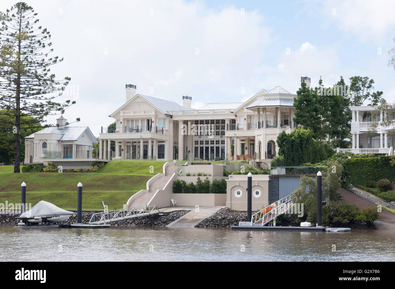 Luxury riverside house on Brisbane River, Fig Tree Pocket, Brisbane, Queensland, Australia Stock Photo