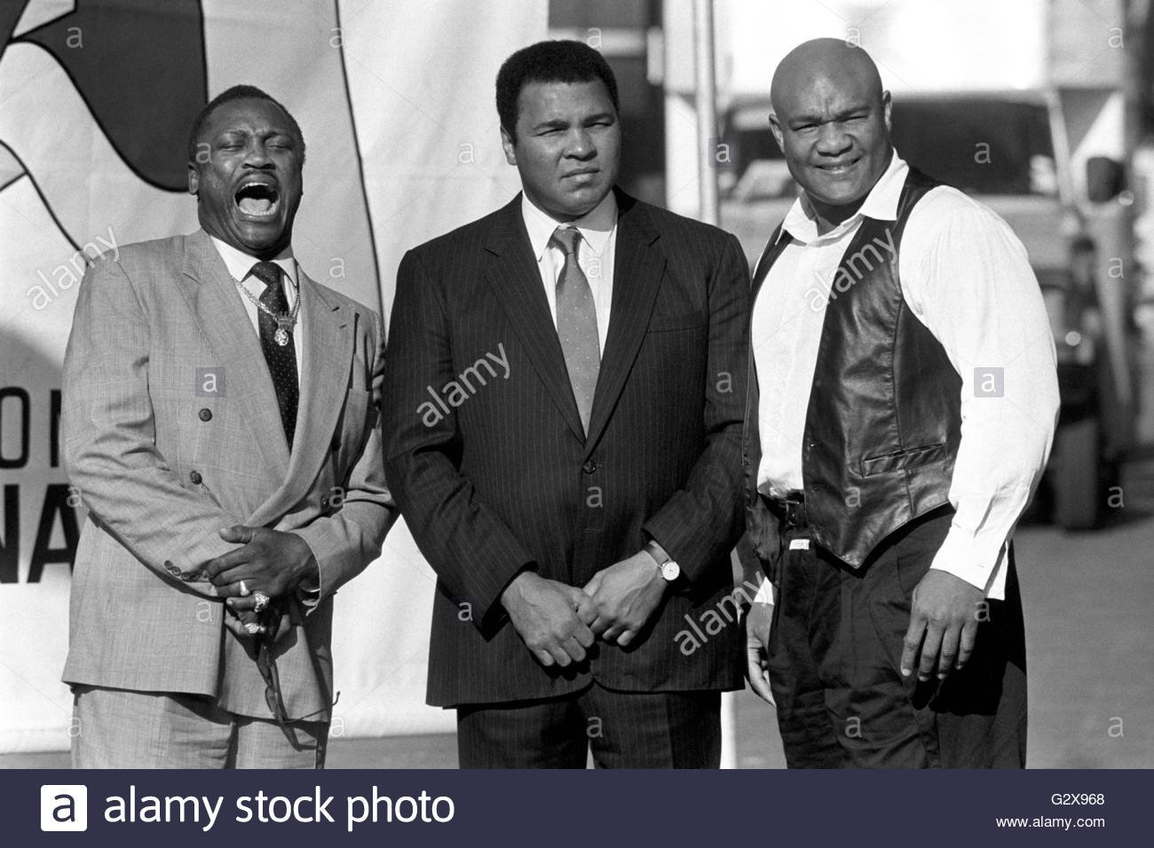 (left to right) File photo dated 17/10/89 of former World Heavyweight Champions, Joe Frazier, George Foreman and - Stock Image