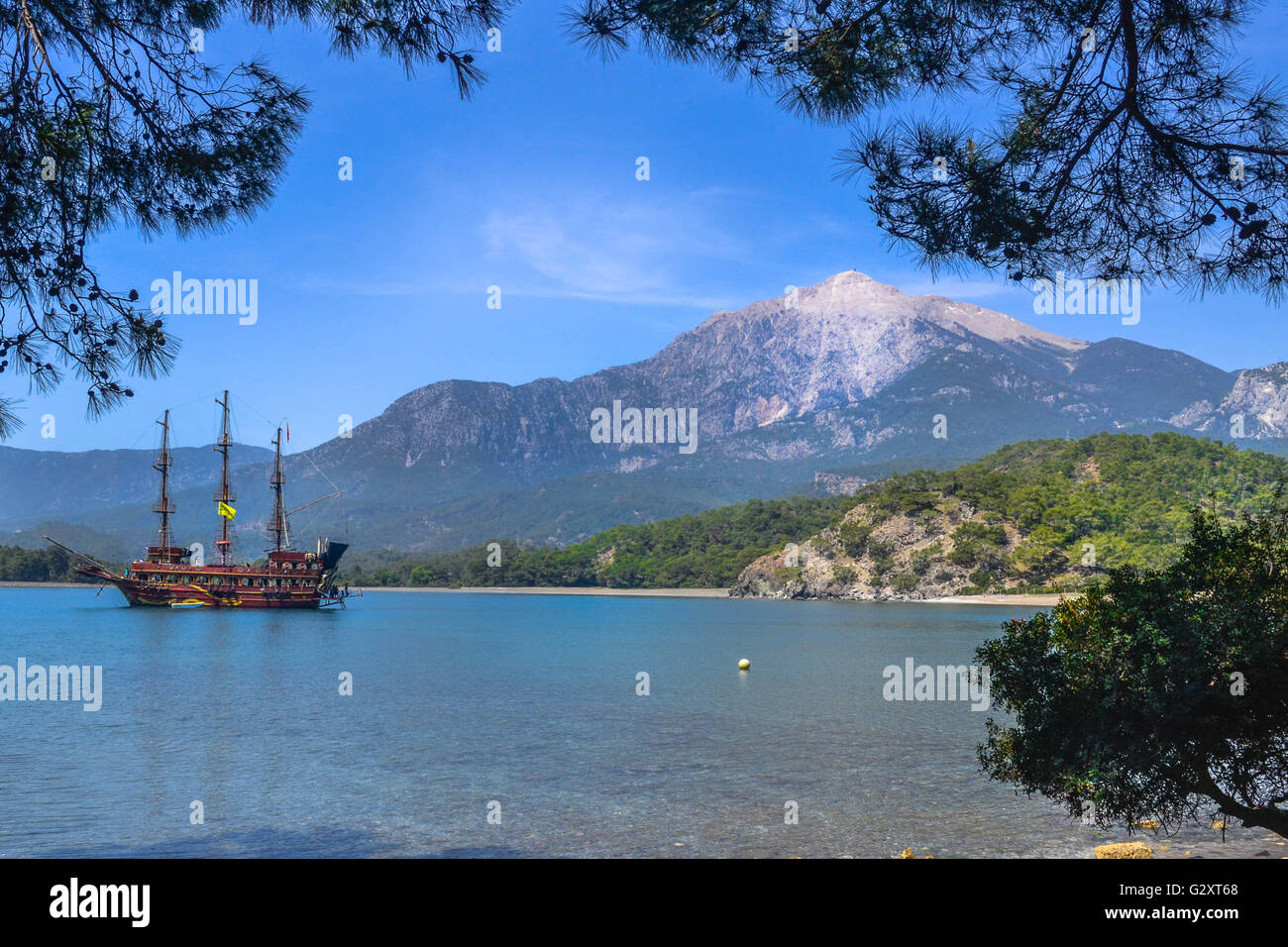 travel, turkey, kemer, boattrip, amazing word, postcard view, mountains with snow - Stock Image