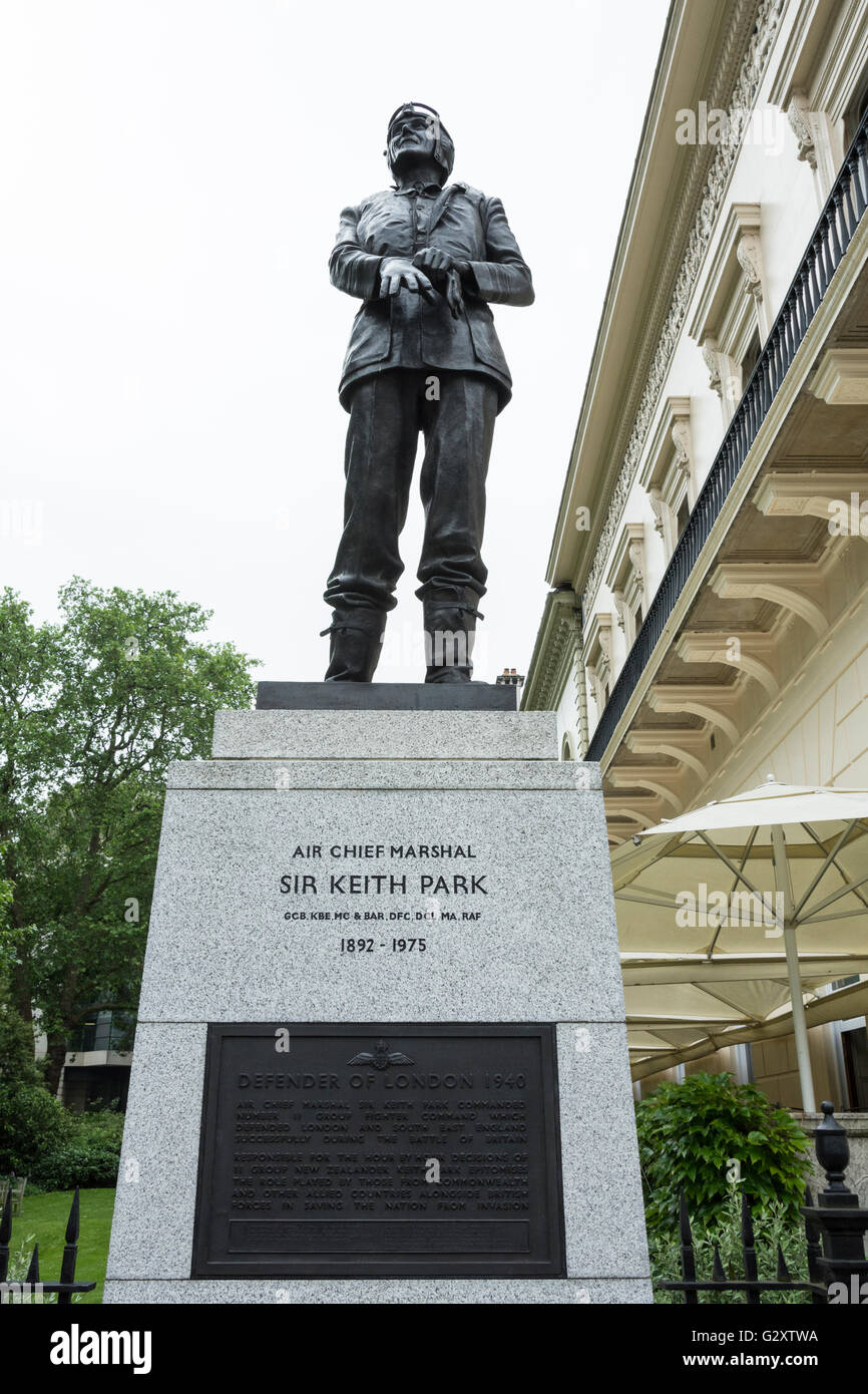 A bronze statue of the Battle of Britain's unsung hero Air Chief Marshall Sir Keith Park, in Waterloo Place, - Stock Image