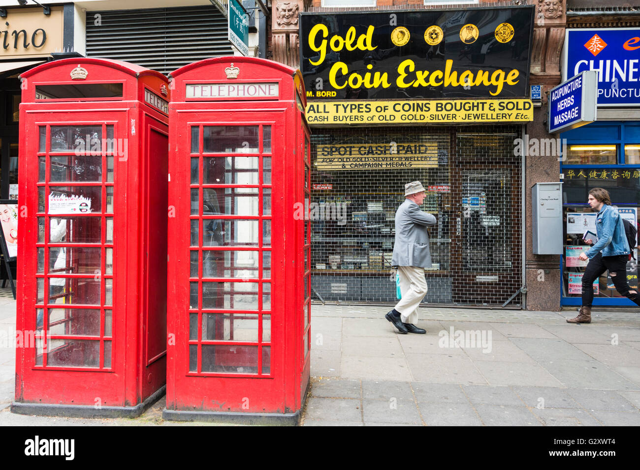 Obsolescence Stock Photos Images Alamy Plain Unpopulated Printed Circuit Boards Recycling Gold Silver A Man Passes The Coin Exchange On Charring Cross Road Next To Two Bright Red