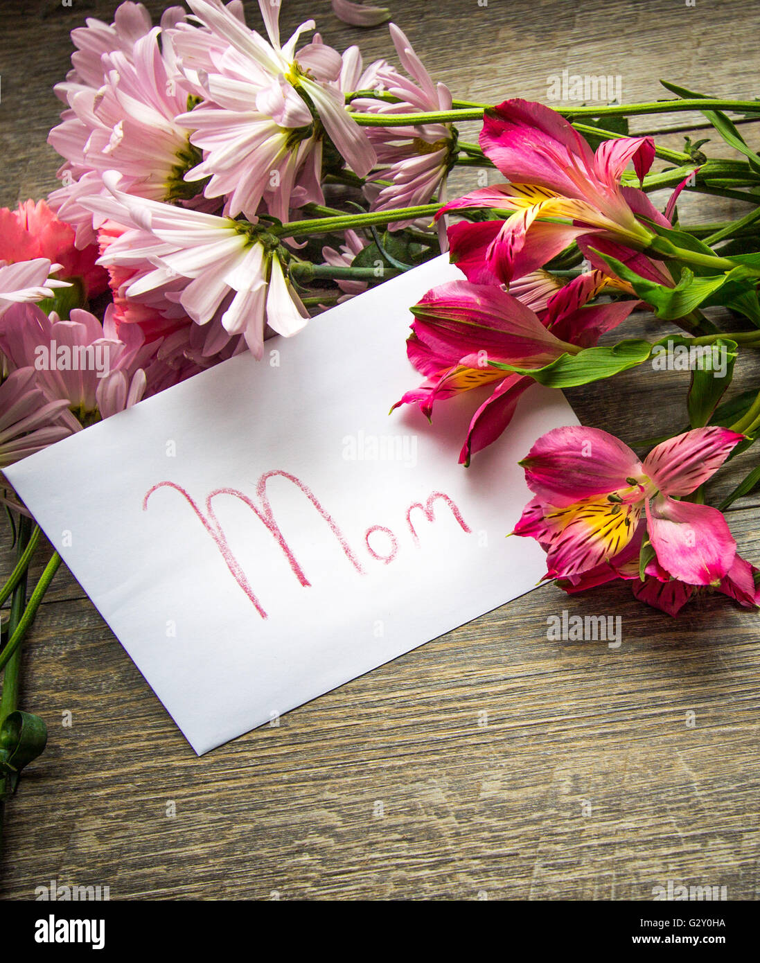 Happy Mothers Day Greeting Card O For Mom With Fresh Cut Flower