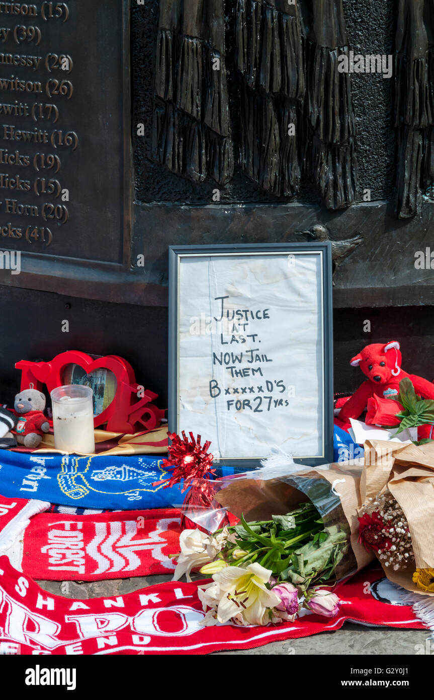 A message at the memorial to the victims of the Hillsborough disaster following the outcome of the inquest. - Stock Image
