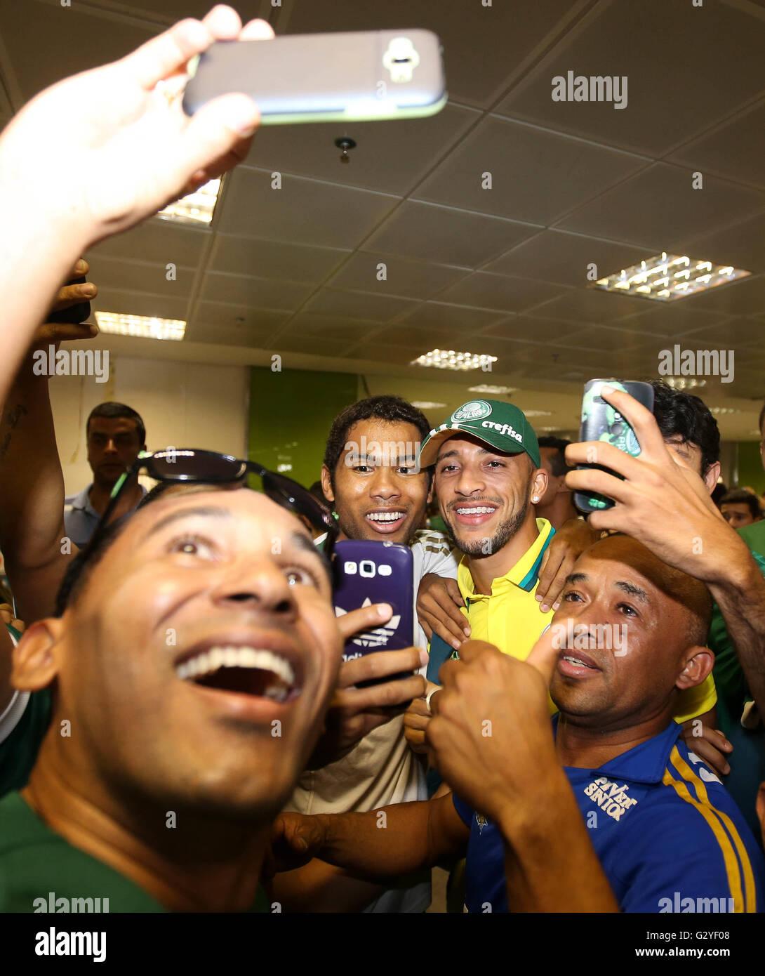 BRASI??LIA, DF - 06/04/2016: LANDING OF PALM TREES - The player Vitor Hugo, the SE Palmeiras during landing at the - Stock Image