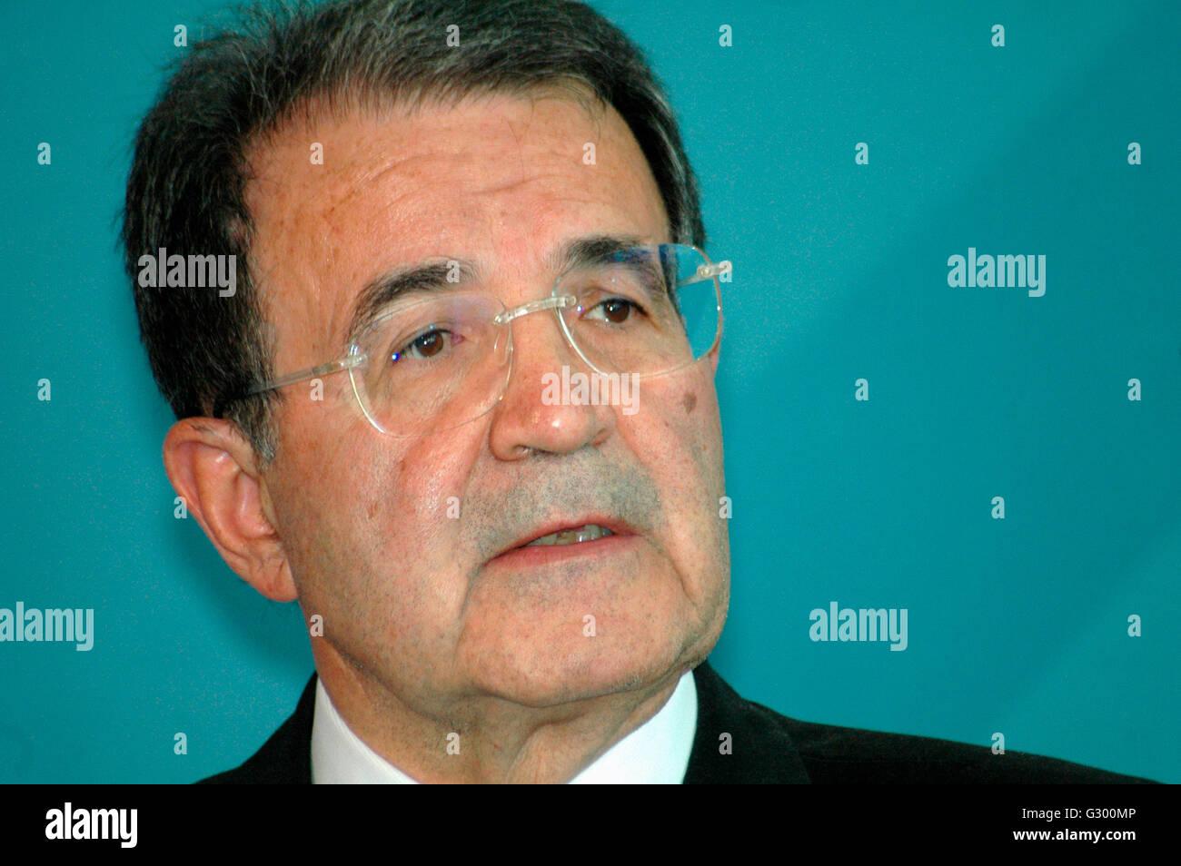 Romano Prodi - Presseunterrichtung nach einem Treffen der dt. Bundeskanzlerin mit dem italienischen Ministerpraesidenten am 14. Stock Photo