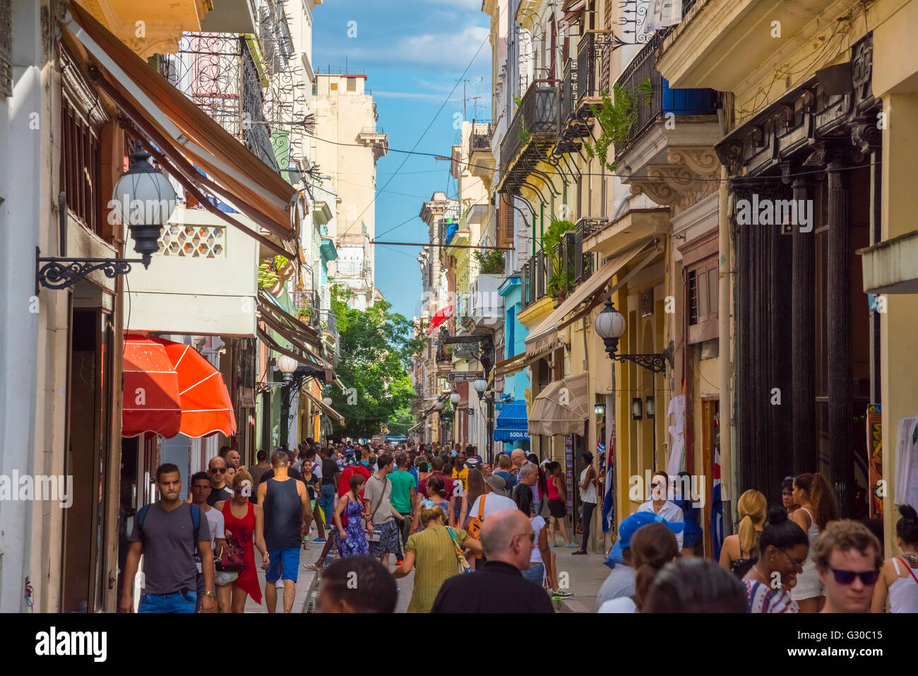 Obispo shopping street, La Habana Vieja (Old Havana), UNESCO World Heritage Site, Havana, Cuba, West Indies, Caribbean - Stock Image