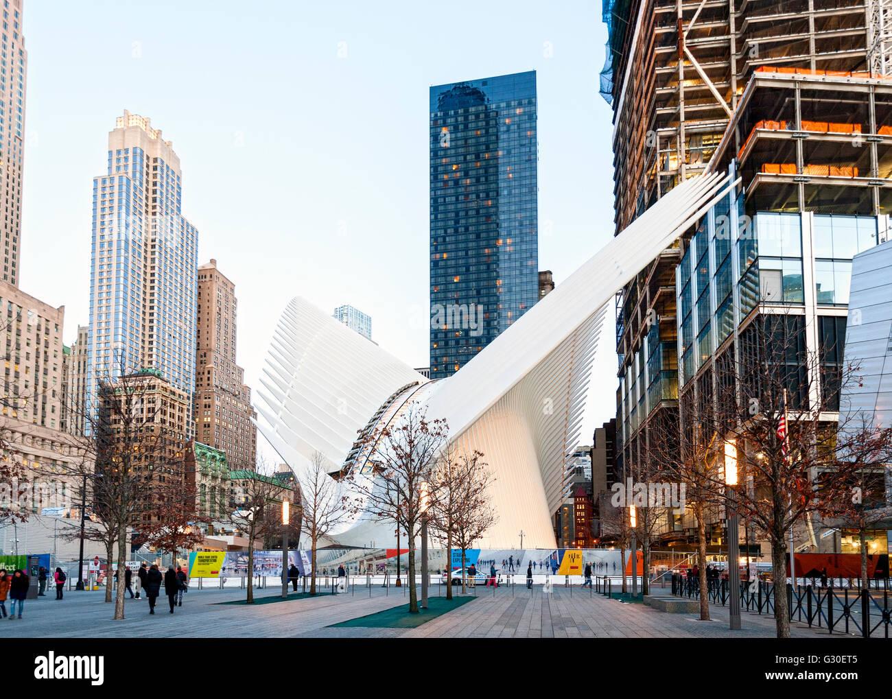 Oculus, the transportation hub by architect Santiago Calatrava, at the WTC 9/11 Memorial Plaza, Manhattan, New York - Stock Image
