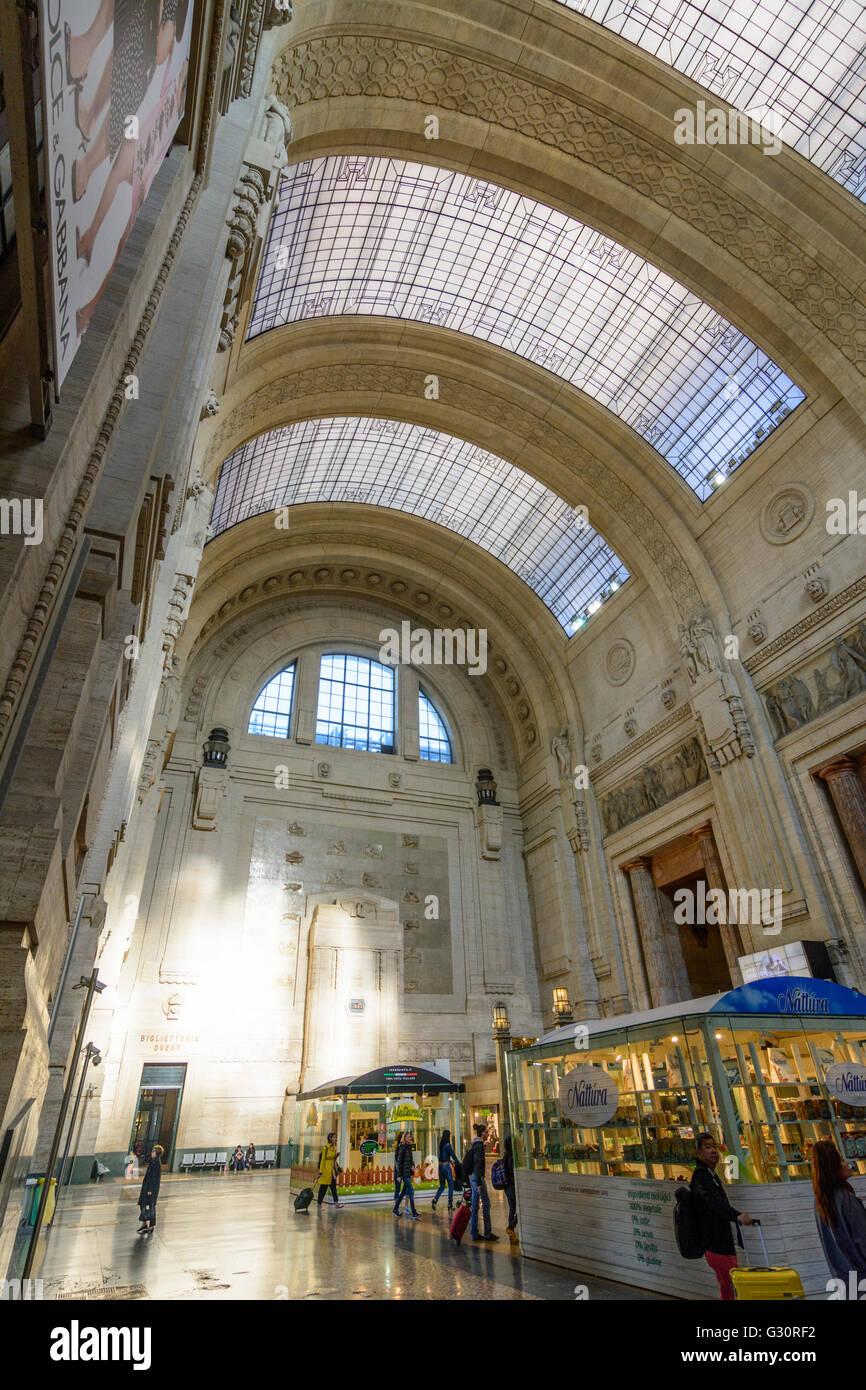 Milano Centrale railway station entrance hall, Italy, Lombardei, Lombardy, , Mailand, Milan - Stock Image