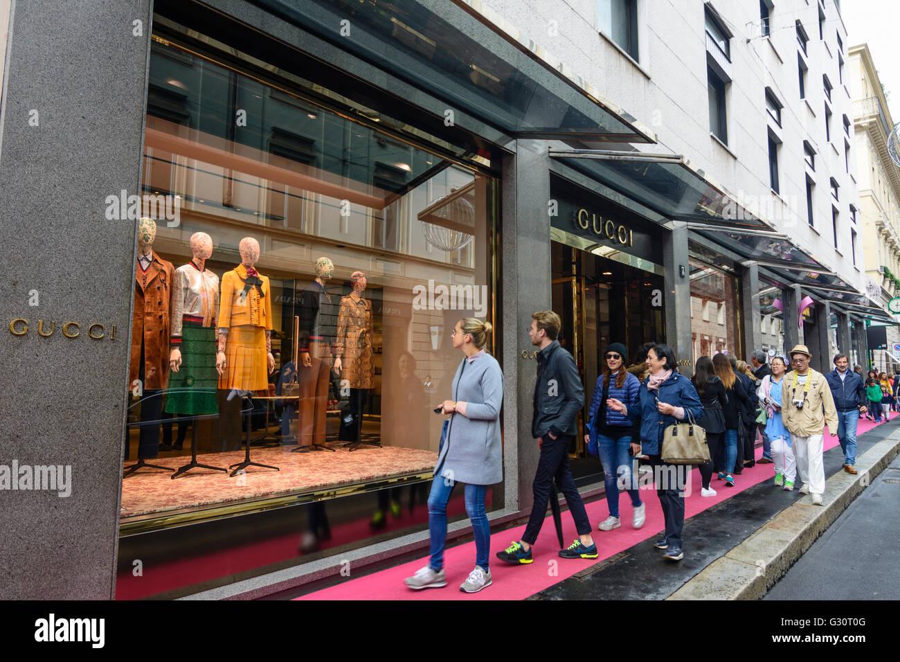 on sale 109c1 f8e41 Via Monte Napoleone: shop of Gucci, Italy, Lombardei ...