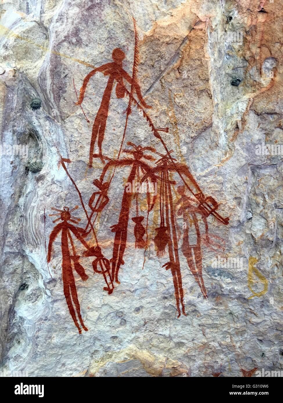aboriginal-cave-paintings-at-injalak-hil