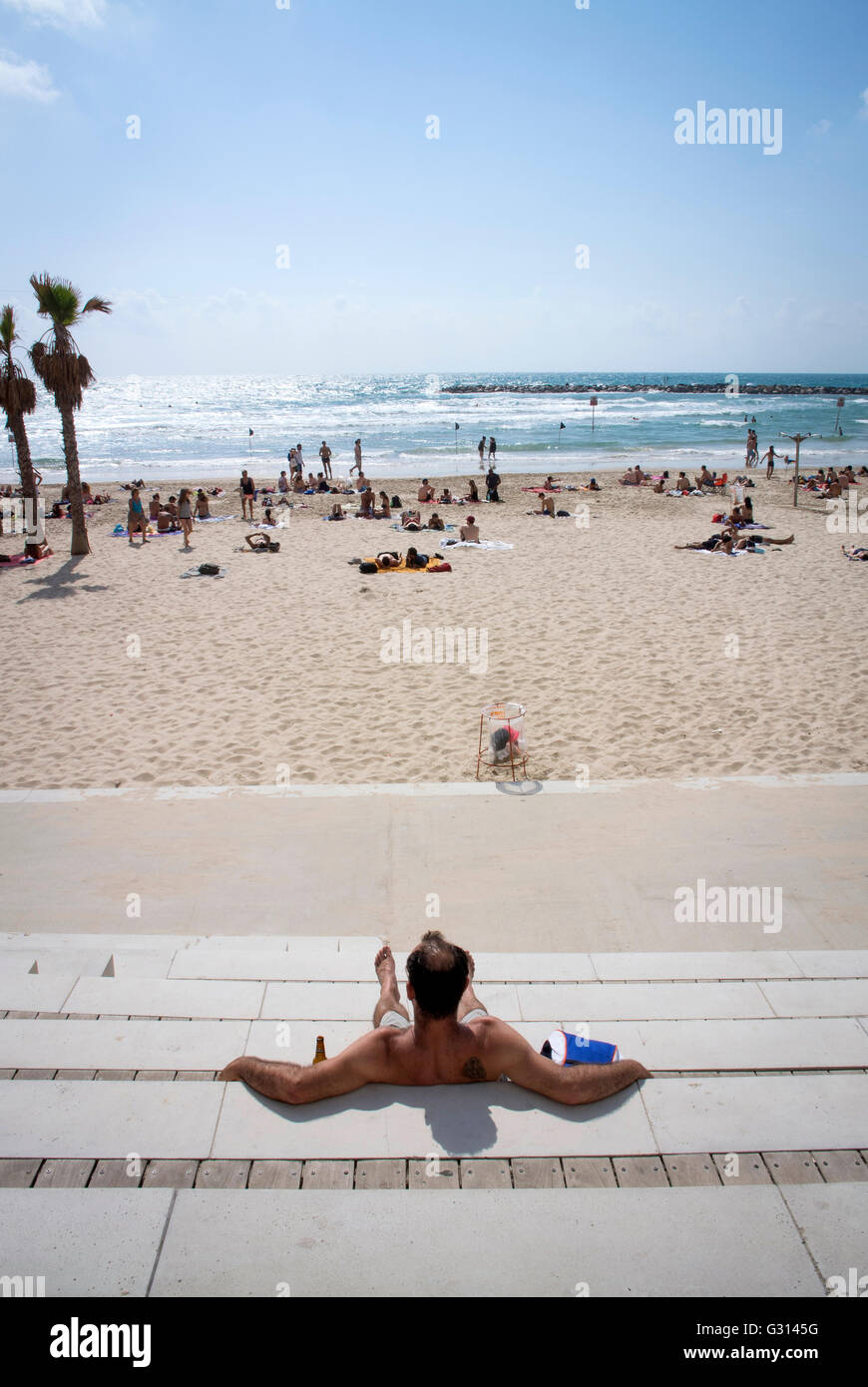 Enjoy the sun at the beach in Tel Aviv, Israel. - Stock Image