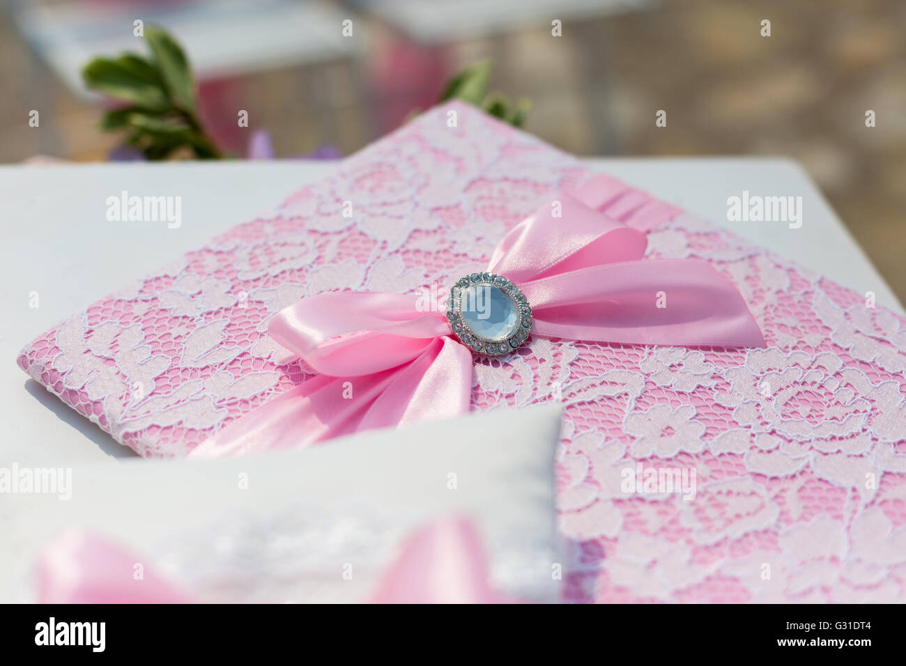 Wedding Ring Pillow Stock Photos & Wedding Ring Pillow Stock Images ...