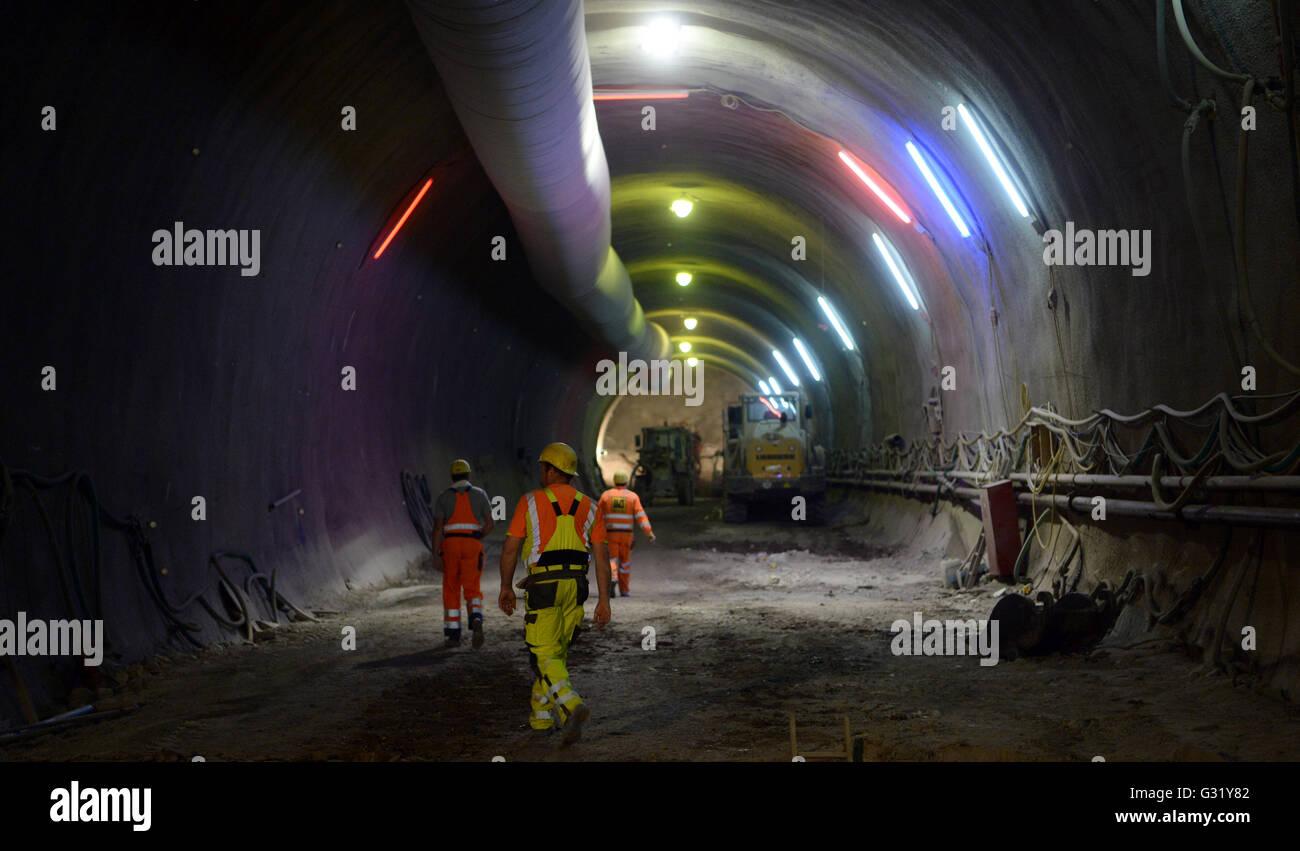 Stuttgart, Germany. 06th June, 2016. Construction workers walk through the Cannstatt Tunnel of the Stuttgart 21 - Stock Image