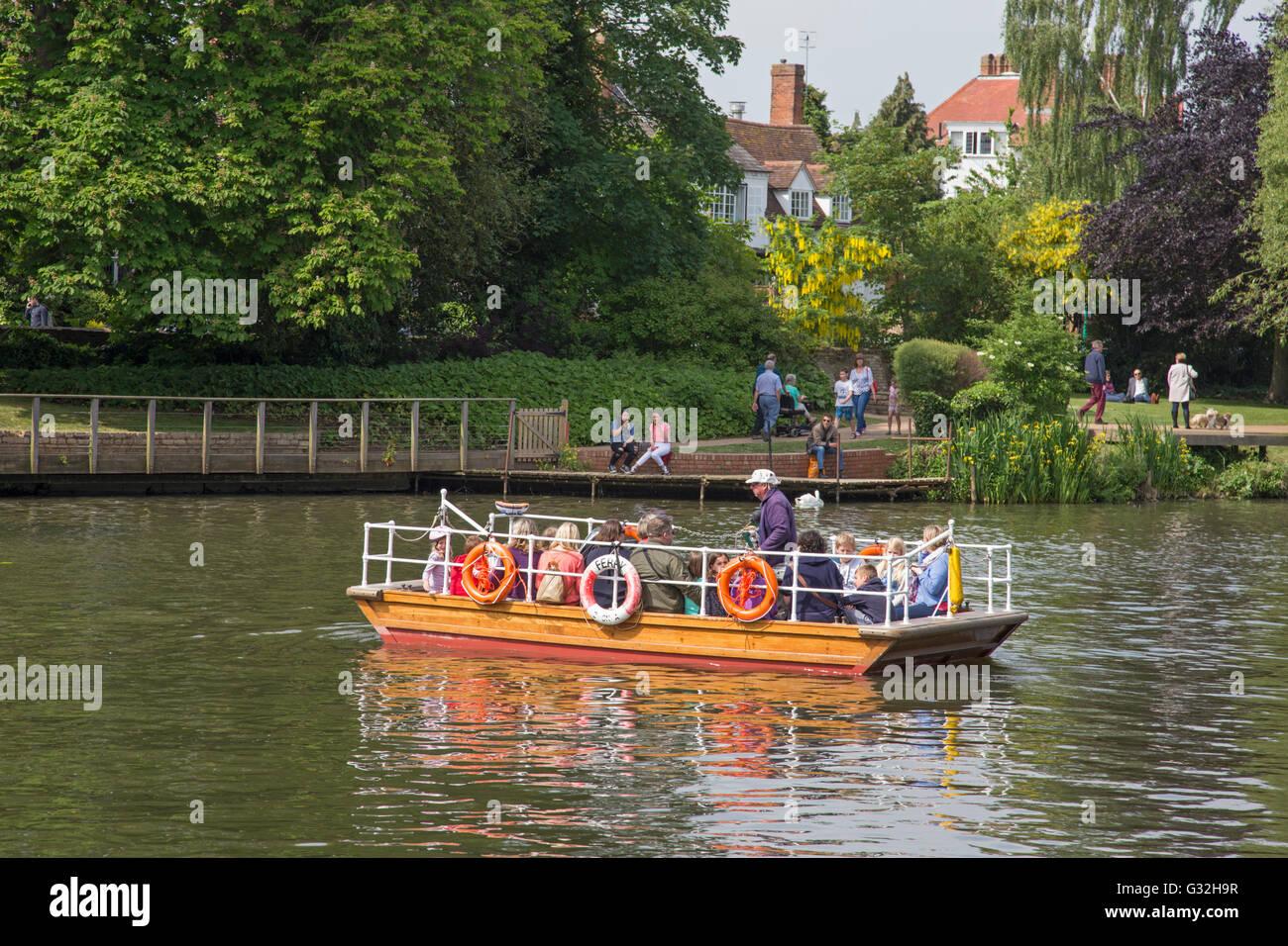 Passenger Ferry on the River  Avon, Stratford upon Avon, Warwickshire, England, UK - Stock Image