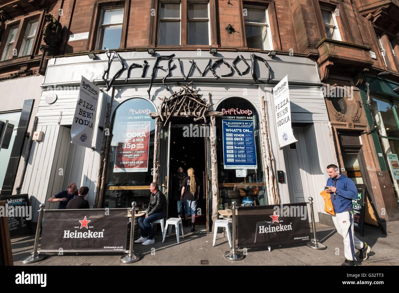 Driftwood pub exterior on Sauchiehall Sreet in Glasgow United Kingdom - Stock Image