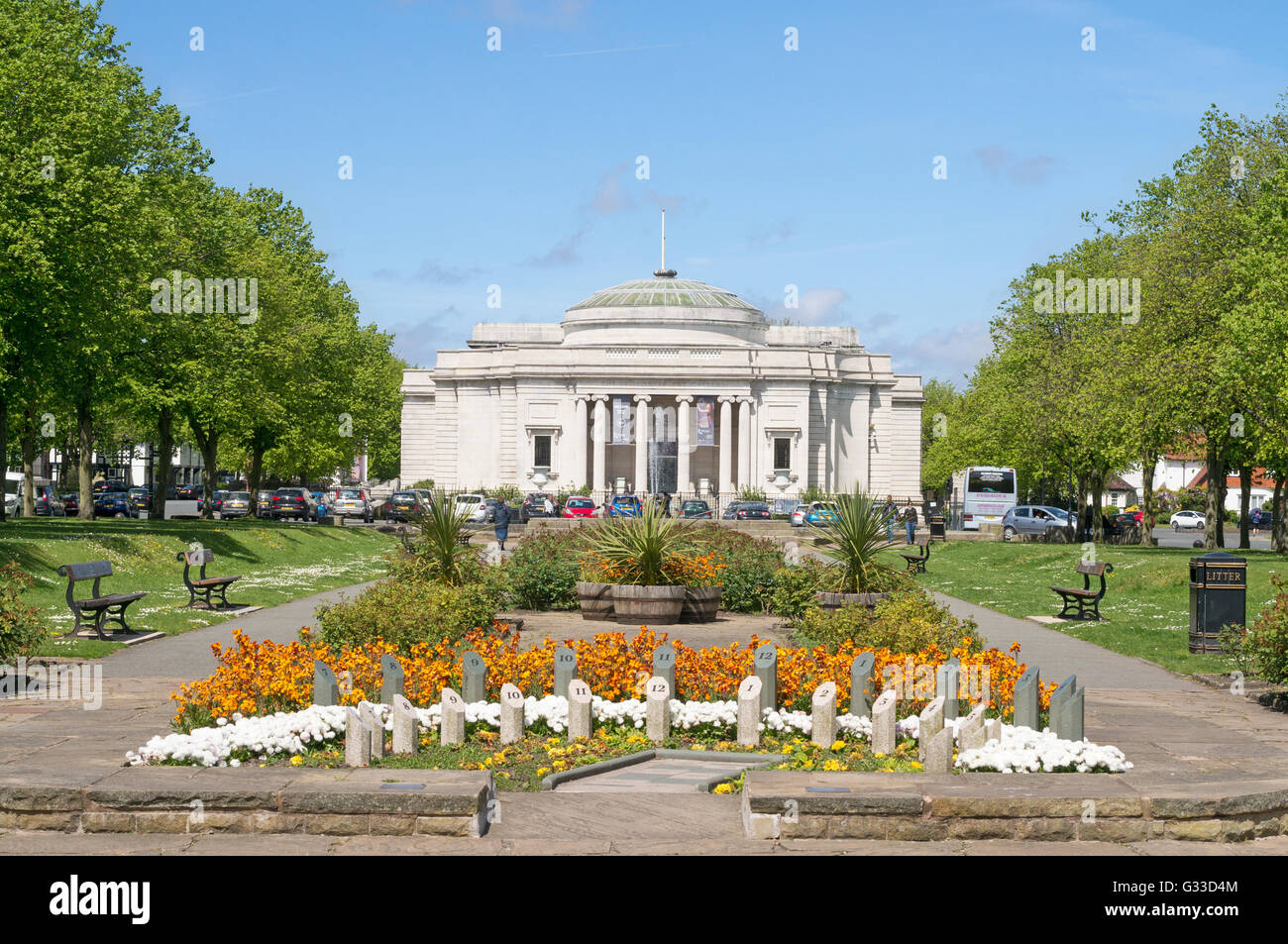 The analemmatic sundial and the Lady Lever art gallery building  Port Sunlight , Merseyside, England, UK - Stock Image