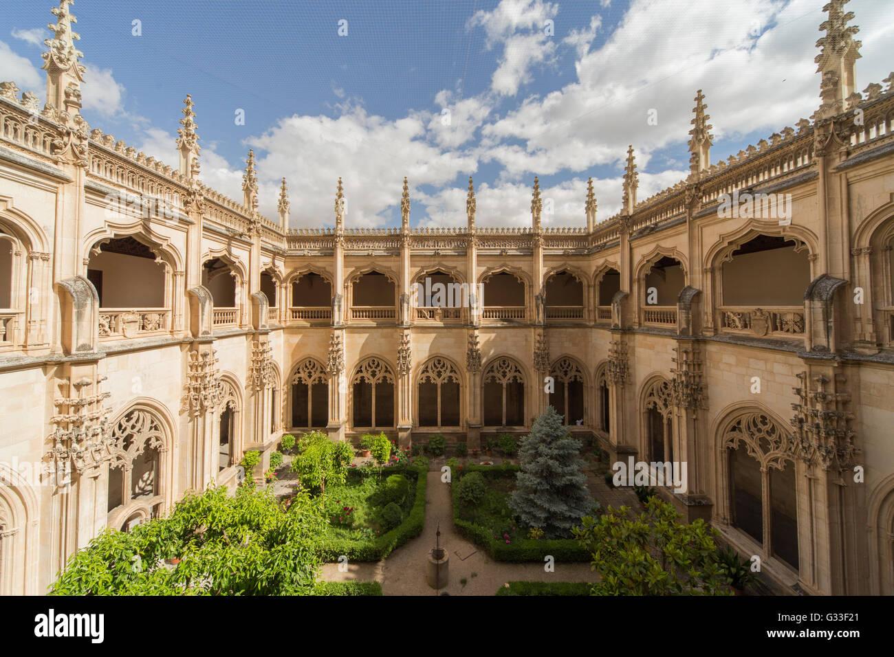 Monastery of Saint John of the Kings in Toledo Spain  Interior Cloister garden (The Monastery of San Juan de los - Stock Image