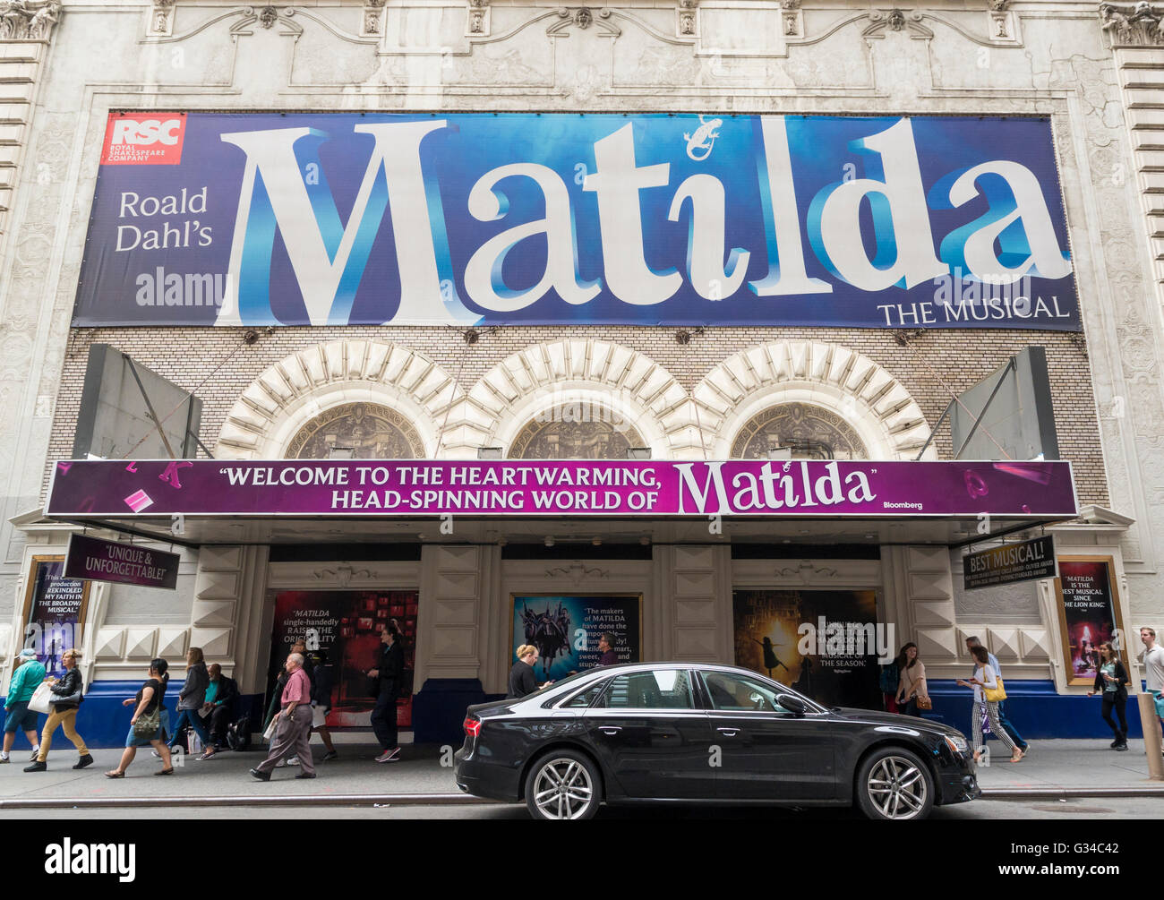Exterior of the Shubert Theatre in New York City, currently showing the musical  Matilda - Stock Image