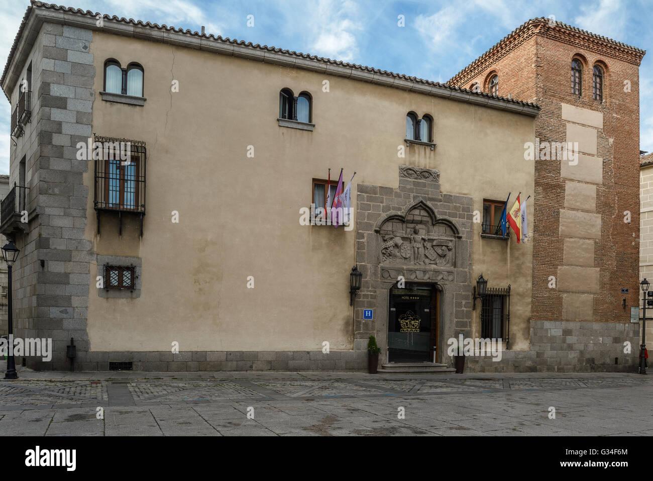 Valderrábanos lintel Palace, Where the stone reads the Templar motto 'Non nobis Domine, non nobis, sed - Stock Image