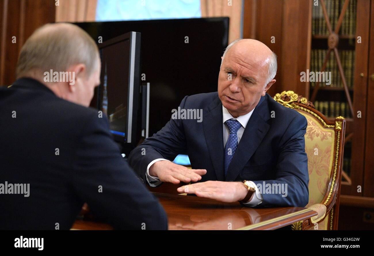 Russian President Vladimir Putin during a meeting with Samara Region Governor Nikolai Merkushkin at the Kremlin - Stock Image