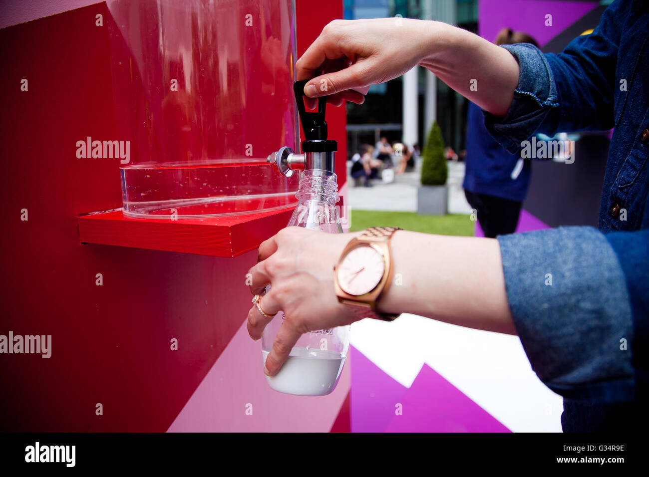 Regents Place, London 8 June 2016 SodaStream introduce the UK's first drinking art installation.            - Stock Image