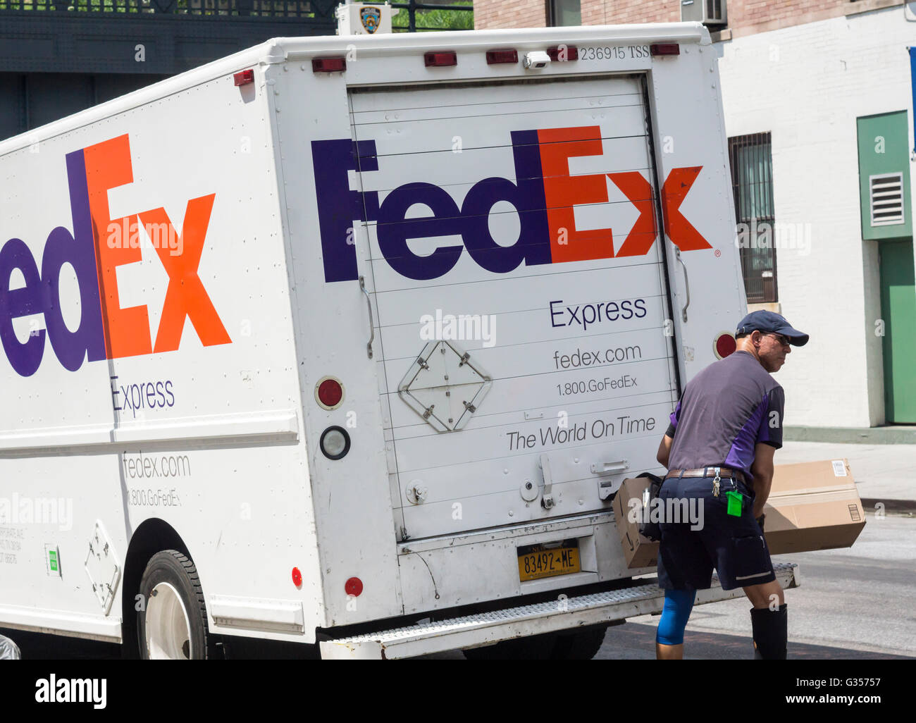 community work and fedex It's part of our culture at fedex for team members to support our charitable investments and local community needs by dedicating their time where they live and work around the world.