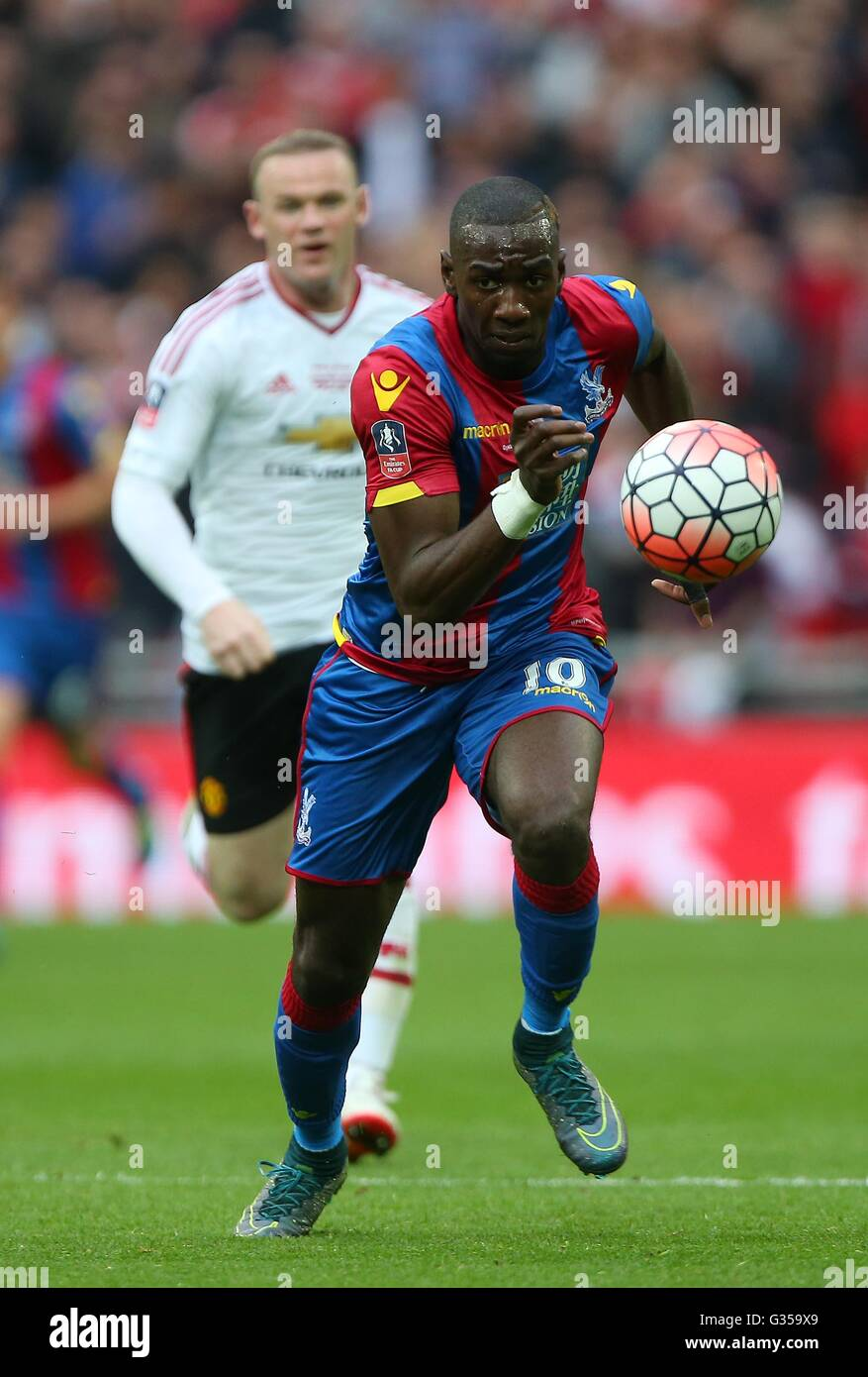 Crystal Palace's Yannick Bolasie chases the ball during the Emirates FA Cup Final between Crystal Palace and Manchester - Stock Image