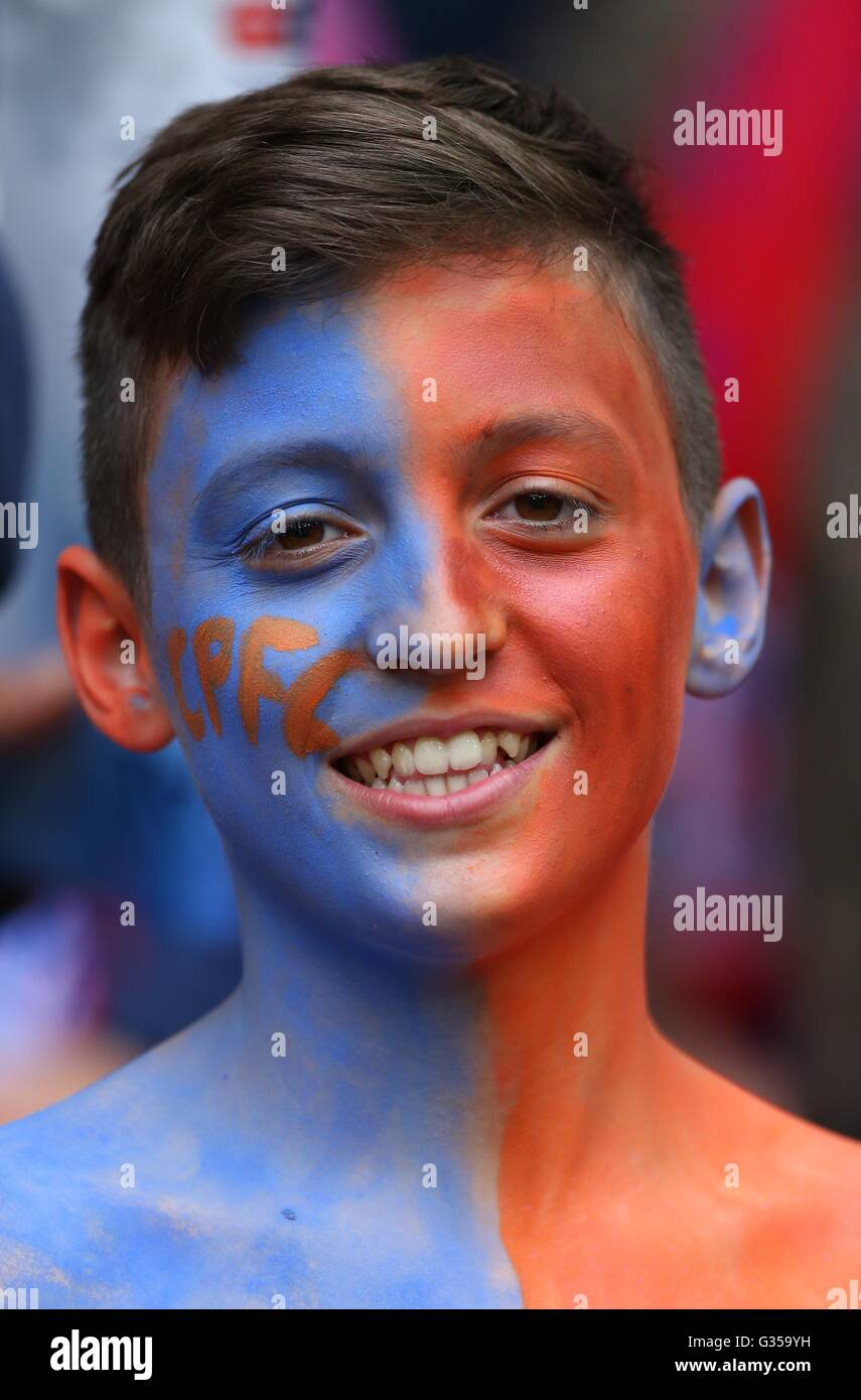 A young Palace fan during the Emirates FA Cup Final between Crystal Palace and Manchester United at Wembley Stadium - Stock Image