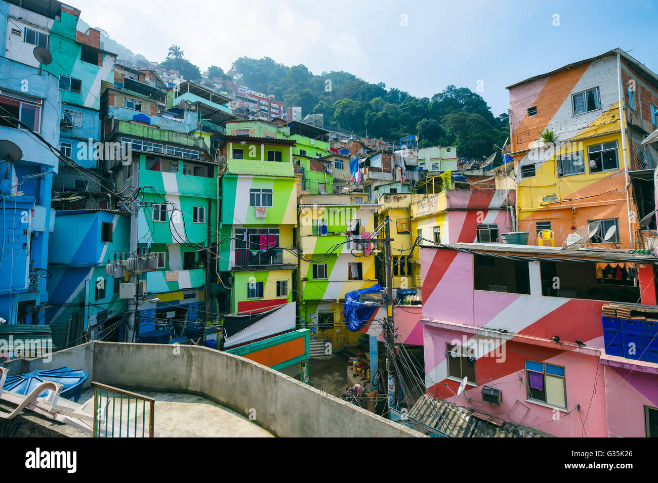 RIO DE JANEIRO - MARCH 31, 2016: Colorful buildings mark the entrance to the Santa Marta Community (favela). - Stock Image