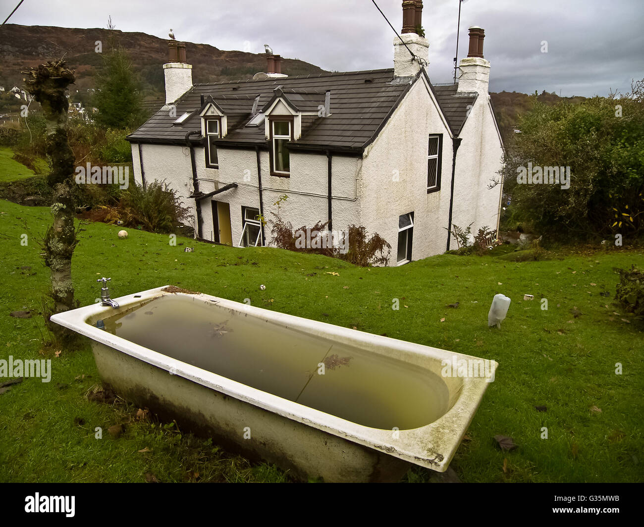 Outside Bathtub Stock Photos & Outside Bathtub Stock Images - Alamy