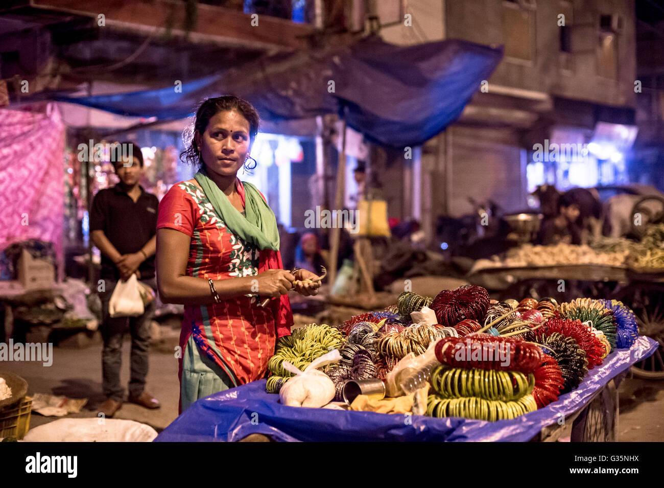 A street vendor in Delhi bangles food India.  Credit: Euan Cherry - Stock Image