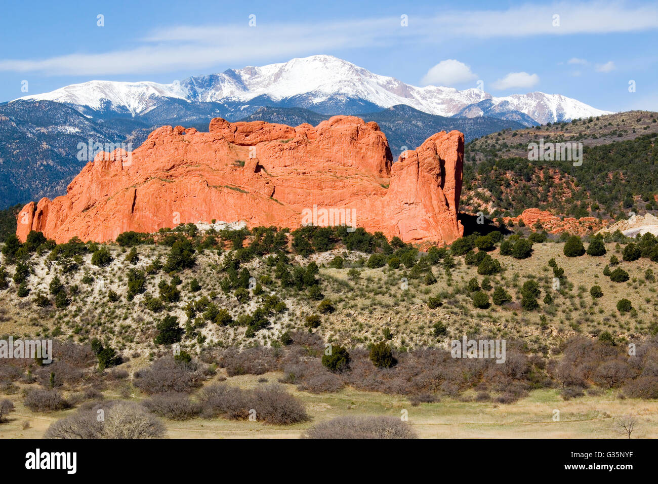 Pikes Peak behind magnificent Garden of the Gods Park in Colorado Springs in the beautiful light of morning - Stock Image