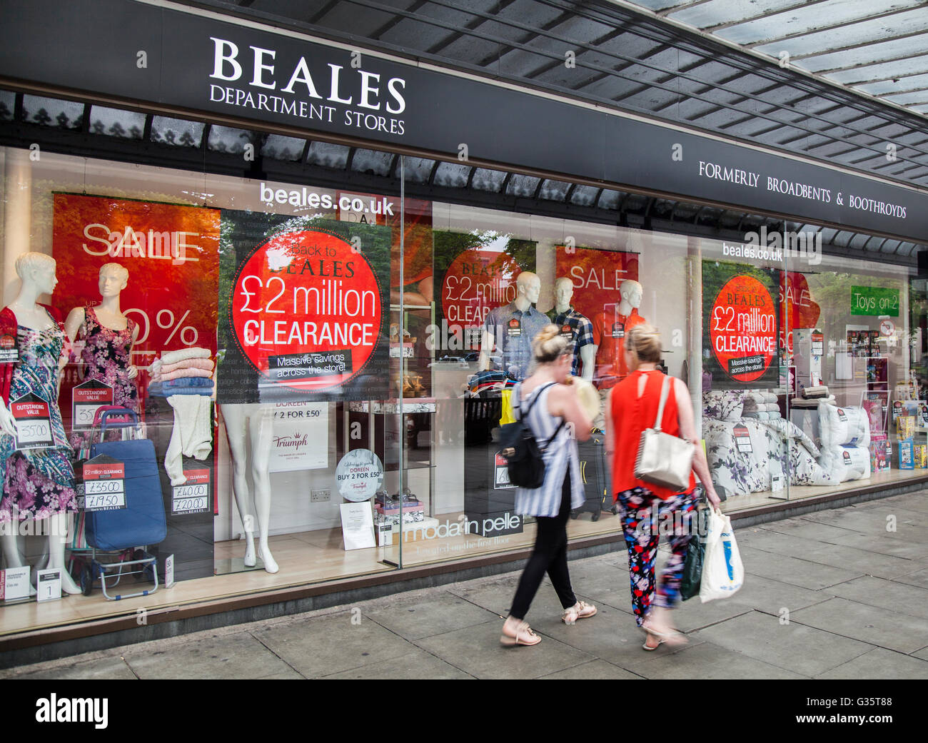 Lord Street, Southport, Merseyside, UK. BOURNEMOUTH-based Beales has announced it is to close one of its stores - Stock Image