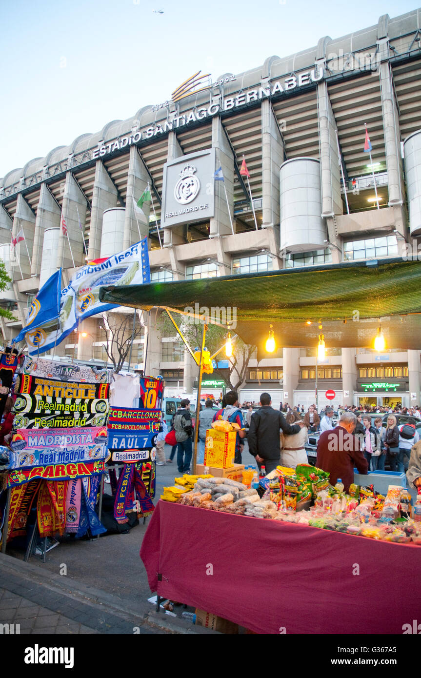 Atmosphere before the Real Madrid-Barcelona football match. Santiago Bernabeu stadium, Madrid, Spain. - Stock Image