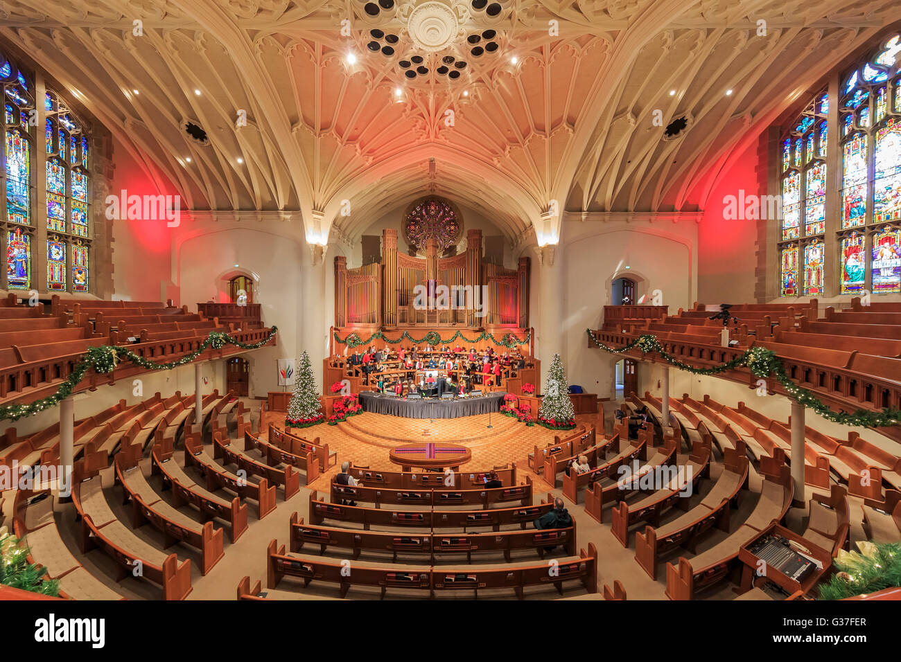 Dec 19, Pasadena: Christmas at the famous First United Methodist ...