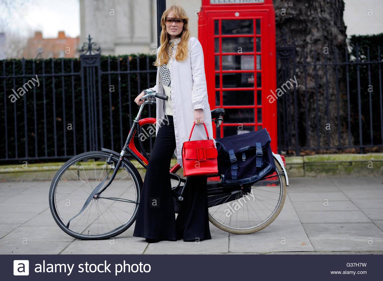 Fiona Jane at Tate Britain, London, Fashion Week, AW16  FW16. 2016. - Stock Image