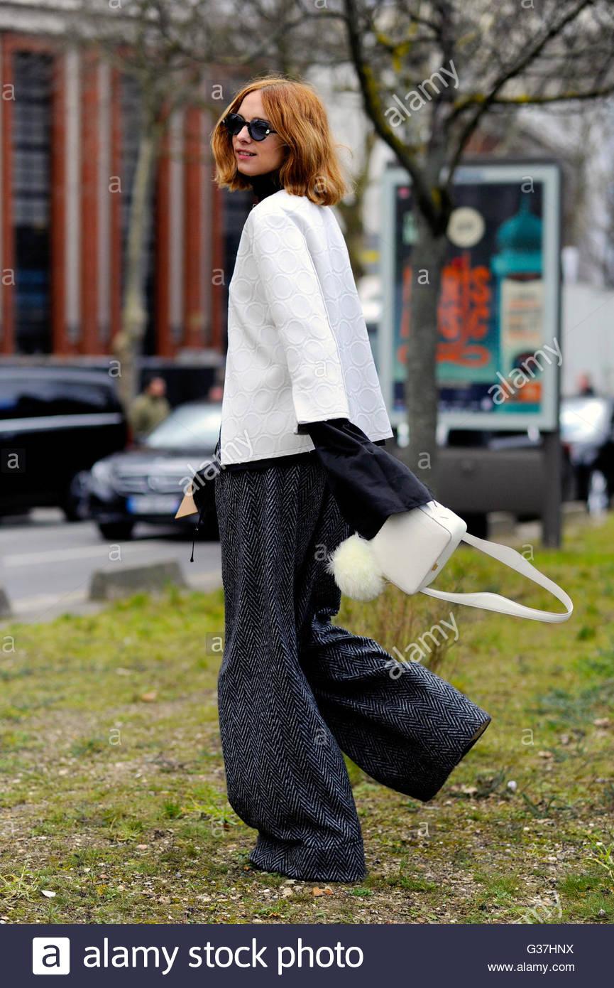 Candela Novembre after Celine on Avenue Georges-Lafont,  AW16, Paris Fashion Week 2016. - Stock Image