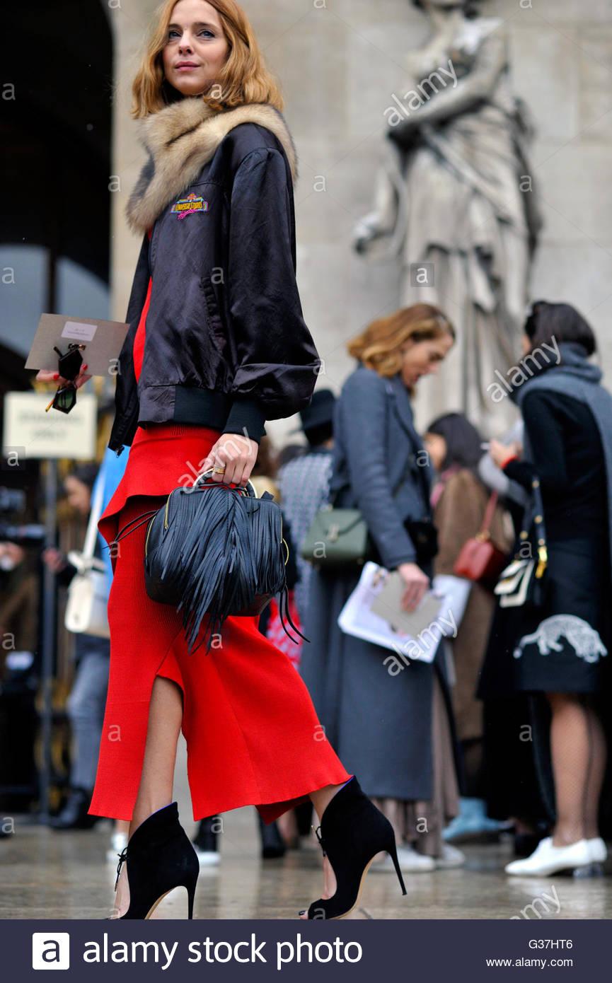 Candela Novembre on the steps of Opera Garnier for Stella McCartney AW16, Paris Fashion Week 2016.,on Boulevard - Stock Image
