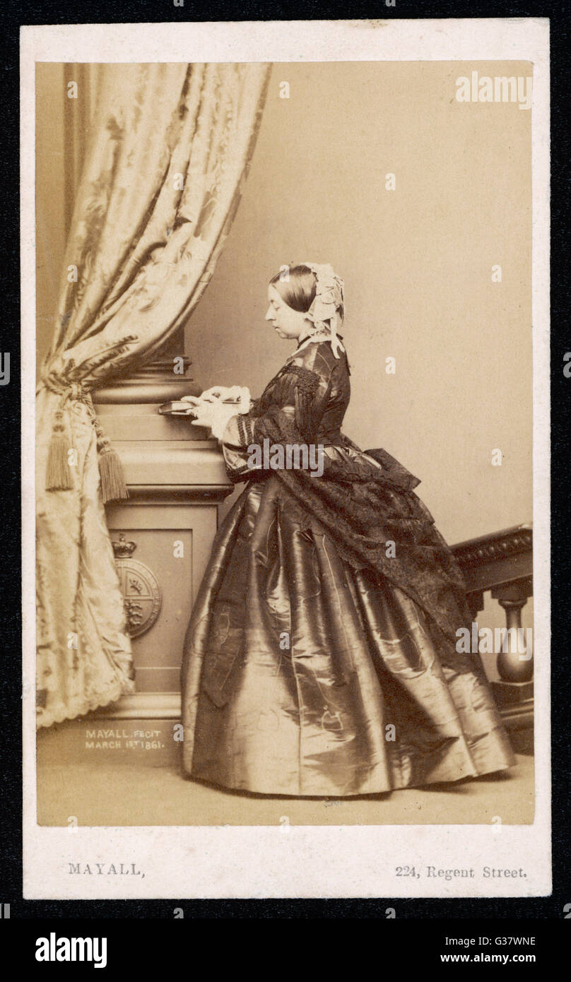 QUEEN VICTORIA  Photographed on 1 March 1861       Date: 1819 - 1901 - Stock Image