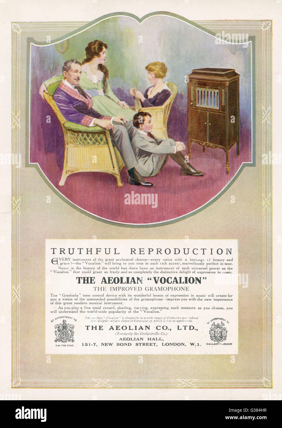 'Truthful Reproduction' - the Aeolian 'Vocalion'  delights the family        Date: 1917 - Stock Image