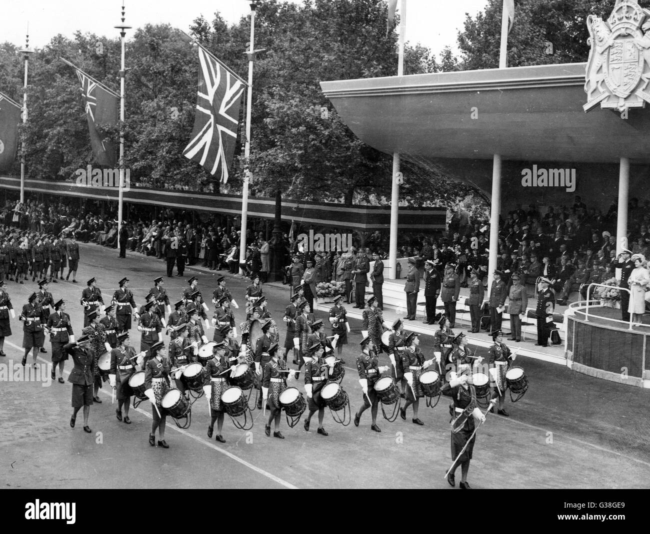 The Victory Parade : The WAAF  (Womens Auxiliary Air Force)  Band passes the Saluting Base        Date: 8 June 1946 - Stock Image