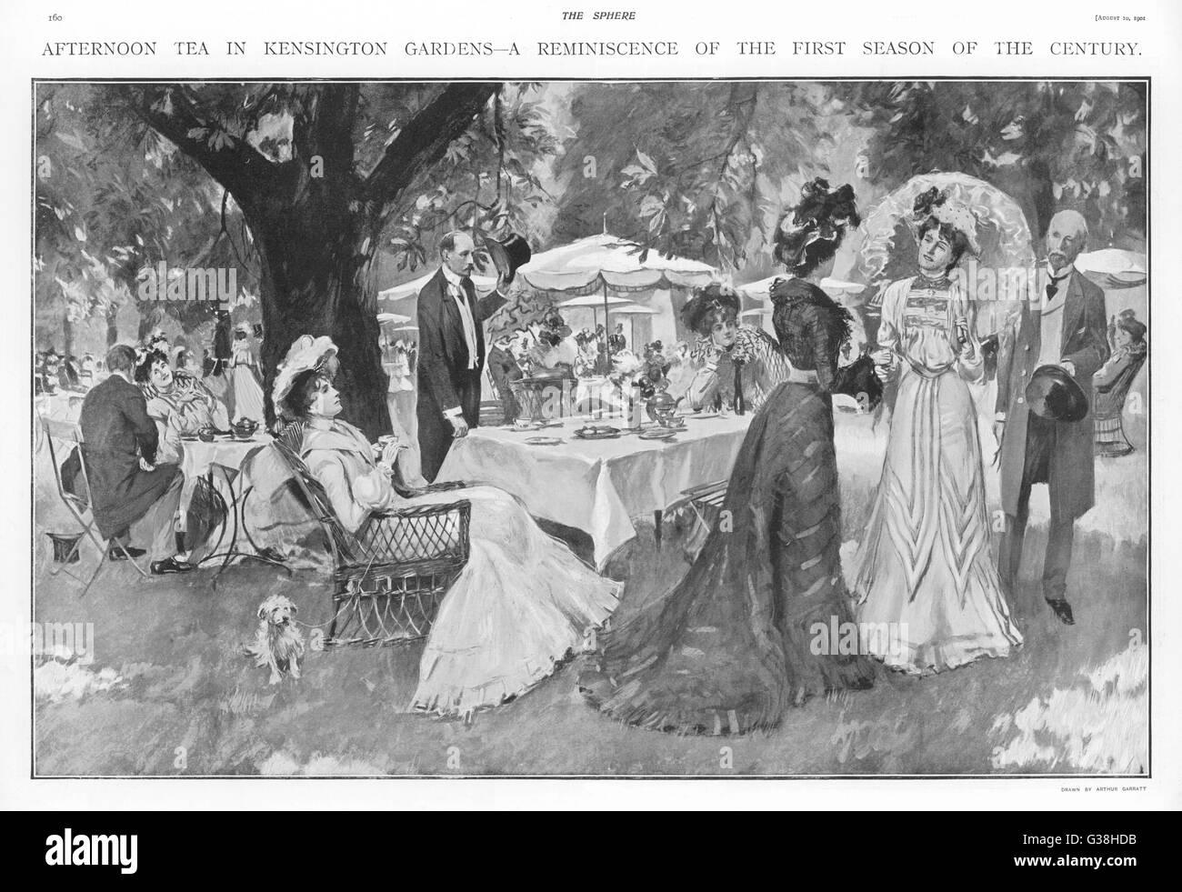 Fashionable folk take tea  during the Season, in  Kensington Gardens, London        Date: 1901 - Stock Image