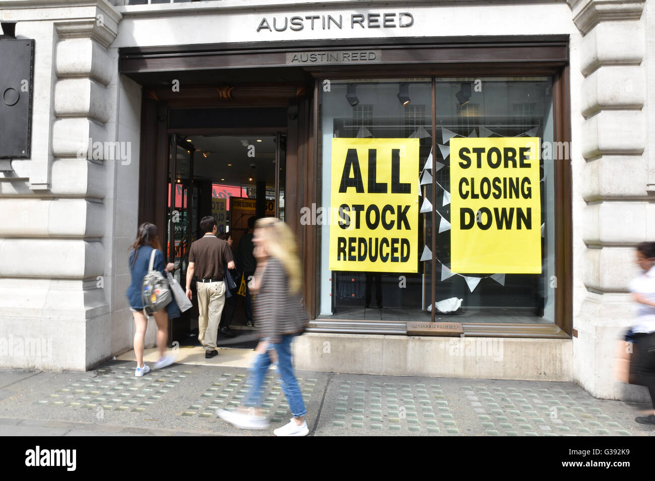 Austin Reed Store Closing Down High Resolution Stock Photography And Images Alamy