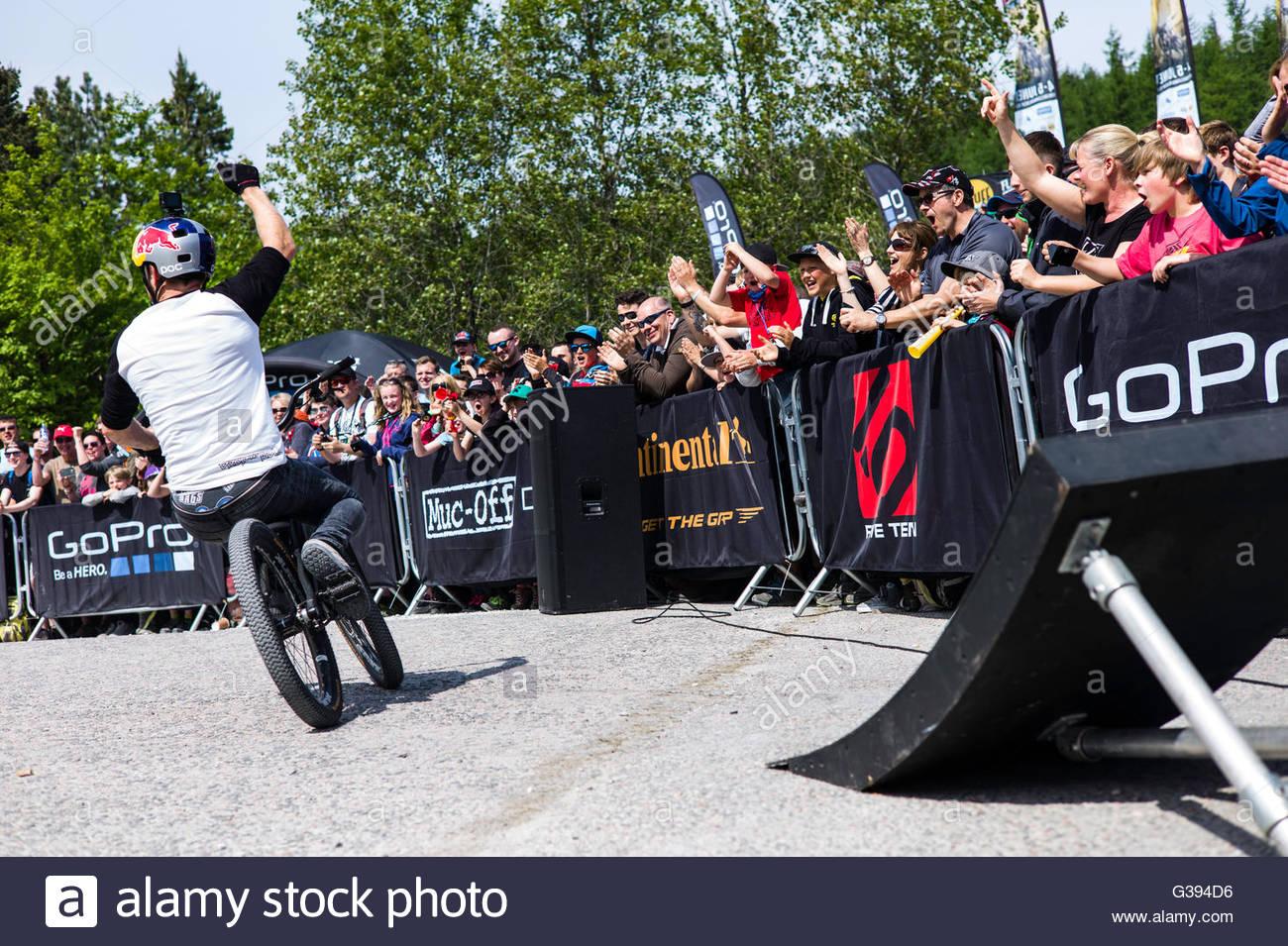 Nevis Range, Fort William, Scotland, UK. 4th June 2016. Danny MacKaskill performs some alternative tricks at the - Stock Image
