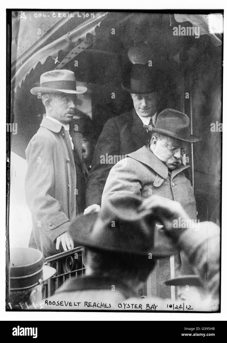 President Teddy Roosevelt getting off a train at Oyster Bay, Long ...