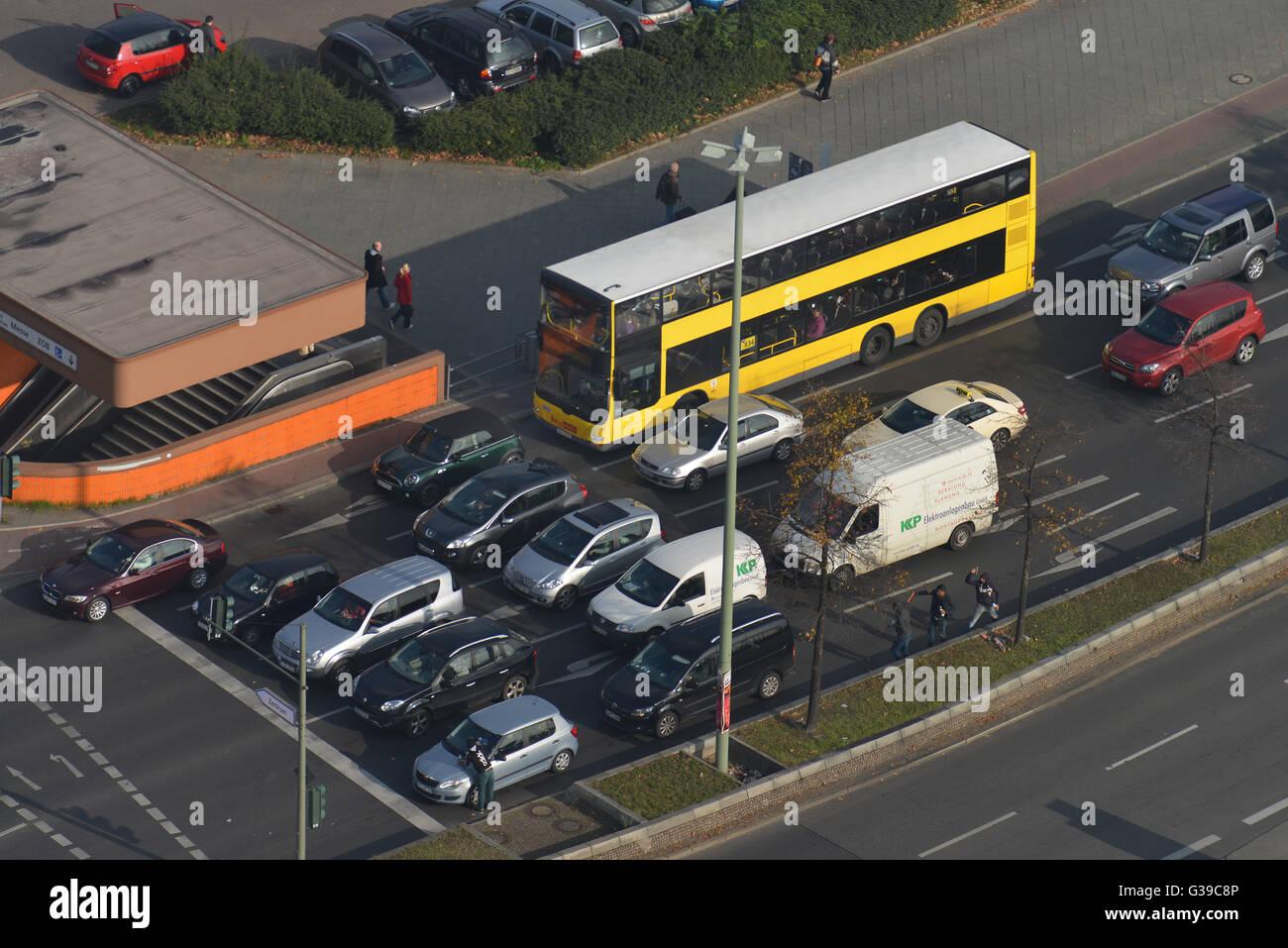Bus, Strassenverkehr, Kantstrasse, Charlottenburg, Berlin, Deutschland - Stock Image