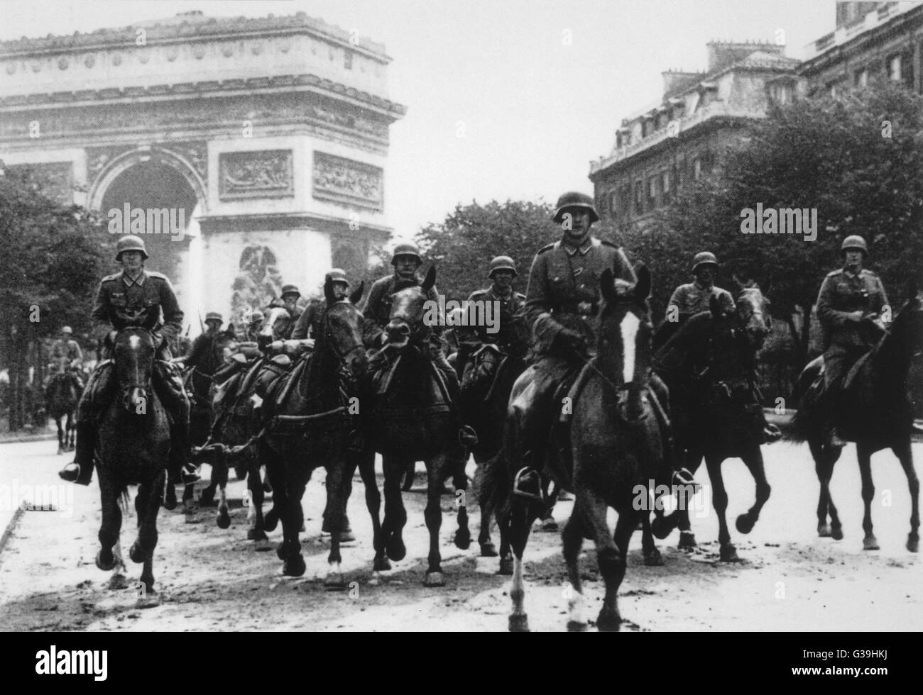 German troops enter Paris.         Date: 1940 - Stock Image
